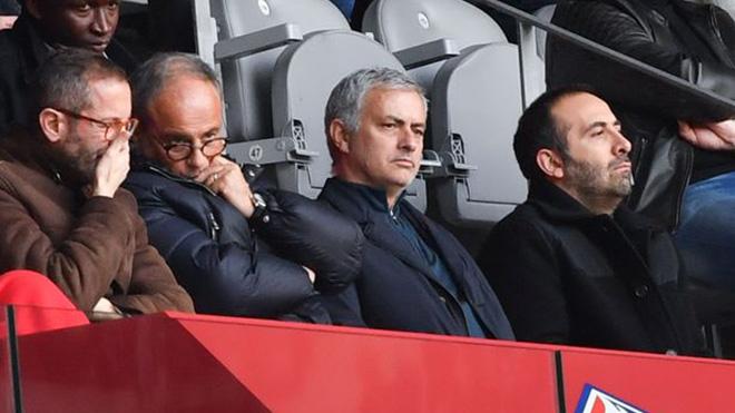 Jose Mourinho tiết lộ lý do không xem trận M.U thua PSG