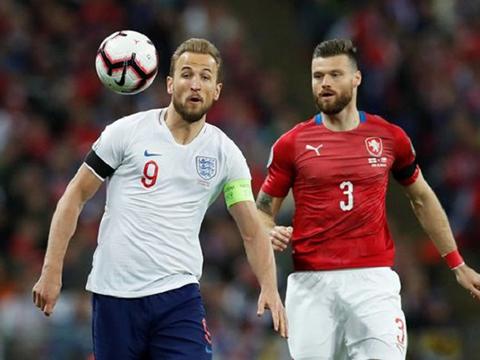 VIDEO Anh 5-0 CH Czech: Sterling rực sáng với hat-trick