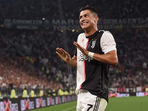Hành động tuyệt vời này khiến Ronaldo được các đồng đội phải nể phục