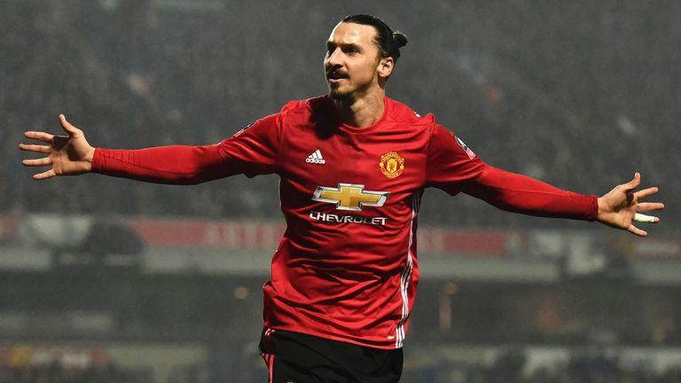 Tin bóng đá MU 1/11: MU nên mua lại 'bố già' Ibrahimovic, cần 3 năm để bắt kịp Liverpool và Man City