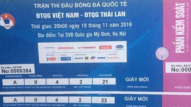 Giá vé trận Việt Nam vs Thái Lan tăng chóng mặt, có cặp bị hét tới 15 triệu đồng
