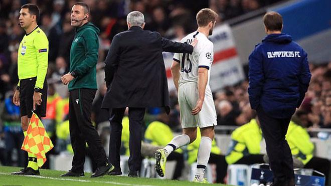 Mourinho xin lỗi Eric Dier vì quyết định phũ phàng ở trận gặp Olympiakos