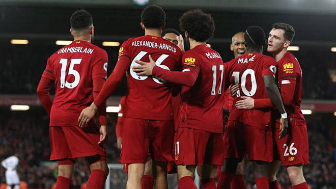 Bóng đá hôm nay 25/2: Liverpool còn cách chức vô địch 12 điểm. 'Messi làm được những điều chỉ thấy trên PlayStation'