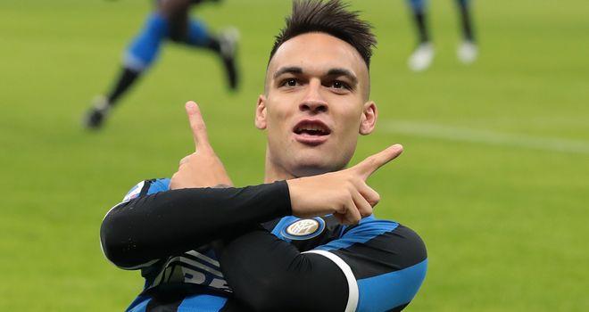 Bong da, Bong da hom nay, Tin tức bóng đá, Van Persie bị đá khỏi MU như thế nào, bóng đá, bóng đá hôm nay, MU, tin tức MU, van Persie, Van Gaal, Serie A, Lautaro Martinez