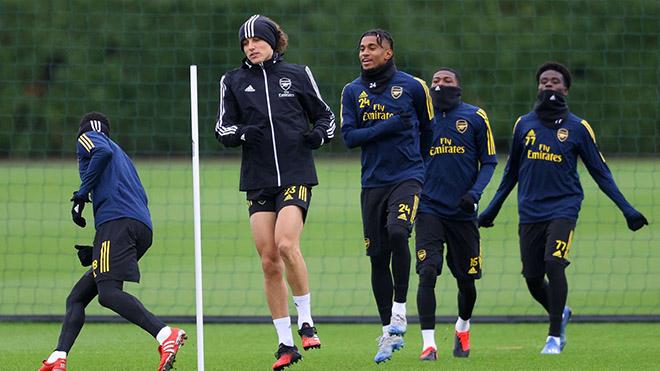 Arsenal trở thành đội đầu tiên của Ngoại hạng Anh trở lại tập luyện