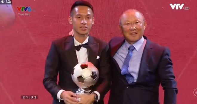 Nc247info tổng hợp: Người hâm mộ thừa nhận Hùng Dũng xứng đáng giành Quả bóng Vàng Việt Nam