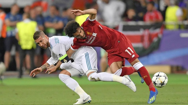 Chiellini ca ngợi pha kéo tay của Ramos với Salah là 'bậc thầy'