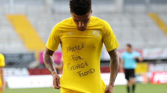 Sancho đối mặt án phạt vì gửi thông điệp chính trị khi ăn mừng bàn thắng
