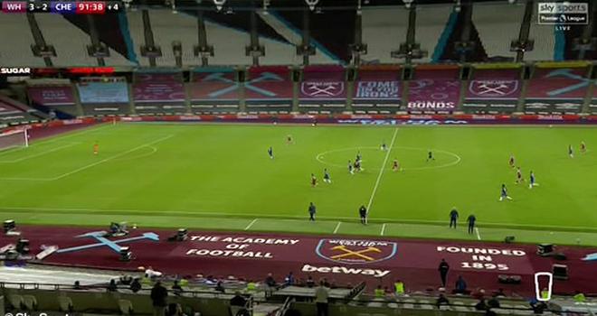 Ket qua bong da, West Ham vs Chelsea, Video West Ham 3-2 Chelsea, Alonso sai lầm, kết quả Ngoại hạng Anh, kết quả bóng đá Anh, Alonso bị chỉ trích, Gary Neville, kqbd