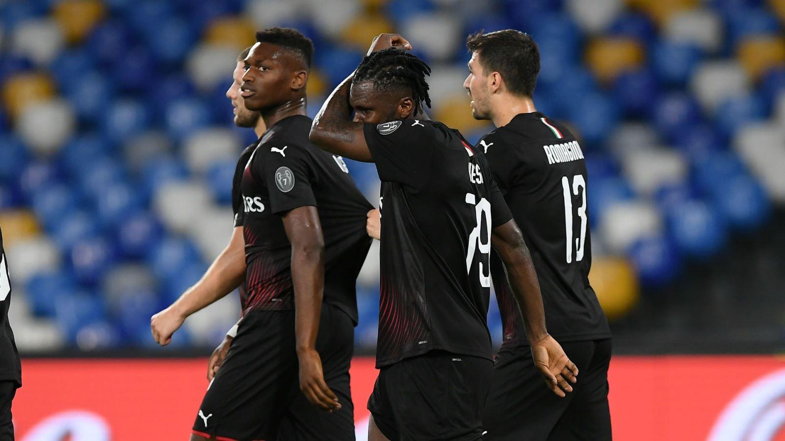 Napoli 2-2 AC Milan: Milan tiếp tục nuôi hy vọng giành vé Europa League