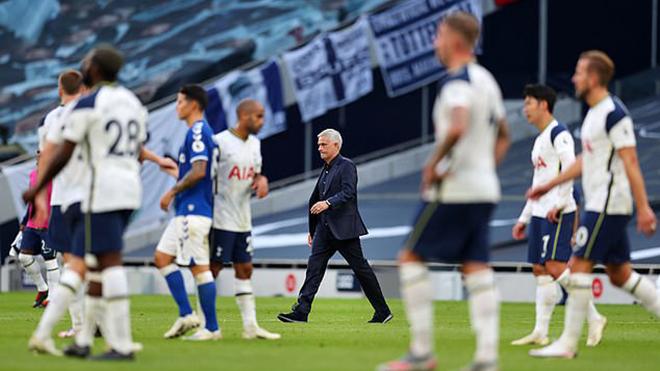 Thua Everton, Mourinho chỉ trích cầu thủ Tottenham quá 'lười biếng'
