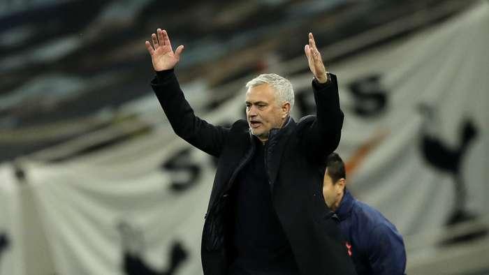 Mourinho ngán ngẩm khi Tottenham bị cầm hòa điên rồ trước West Ham