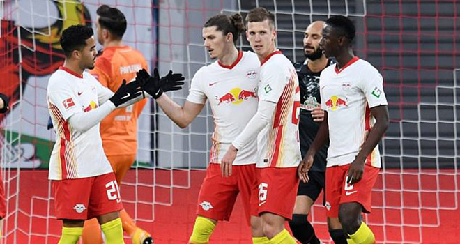 Tottenham, Chuyển nhượng Tottenham, Tottenham mua Sabitzer, Sabitzer là ai, Chuyển nhượng bóng đá, Tin tức chuyển nhượng, Tin chuyển nhượng, Leipzig, Kane, Son, Mourinho