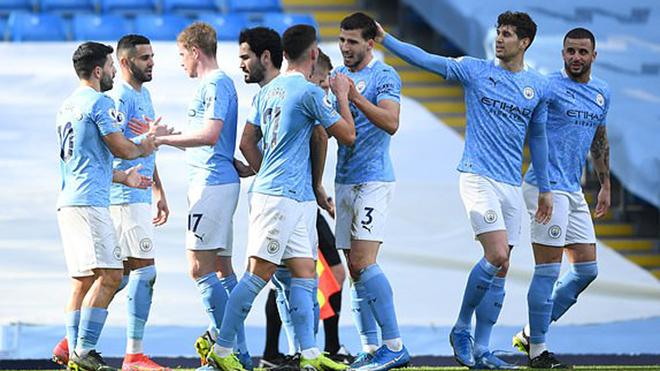 Man City 2-1 West Ham: Hai trung vệ cùng nổ súng, Man City thẳng tiến