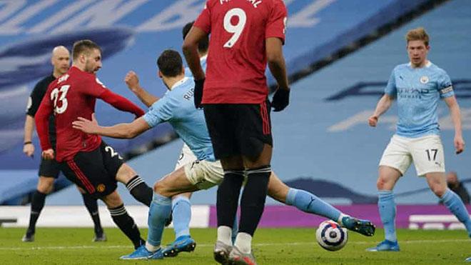 MU: Luke Shaw được ví như Roberto Carlos sau pha ghi bàn vào lưới Man City