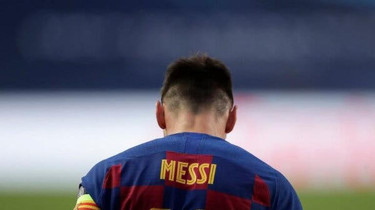 Bóng đá hôm nay 23/3: MU dùng Van de Beek làm 'vật tế thần'. Các ông lớn ngó lơ Messi