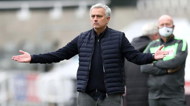 Mourinho đổ lỗi cho học trò sau trận hòa Newcastle