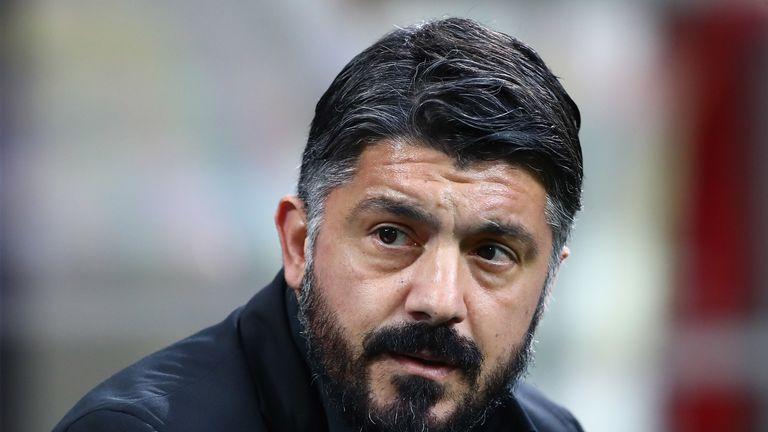 Chủ tịch Napoli sa thải Gattuso qua mạng xã hội