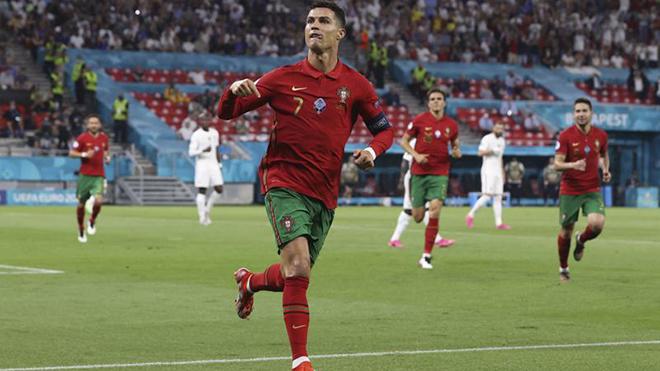 Bỉ 1–0 Bồ Đào Nha: Hazard 'em' lập siêu phẩm, Bỉ biến Bồ Đào Nha trở thành cựu vương