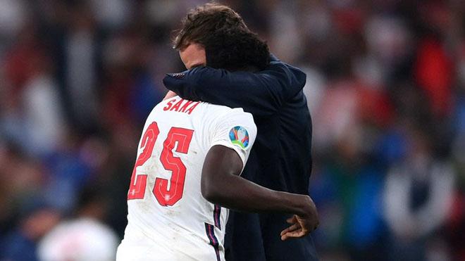 Mourinho: 'Sterling, Stones, Shaw đã ở đâu mà không đá luân lưu?'