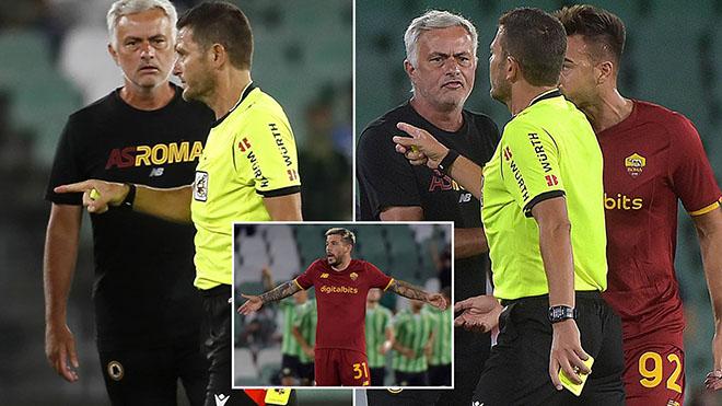 Mourinho và 3 cầu thủ Roma bị đuổi trong một trận giao hữu