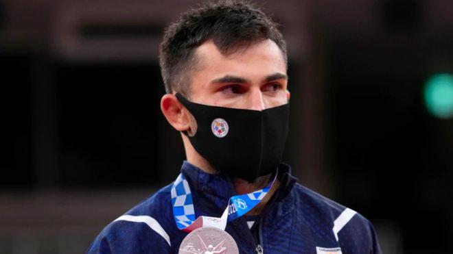 Hai VĐV giành huy chương bị trục xuất khỏi Olympic Tokyo 2021