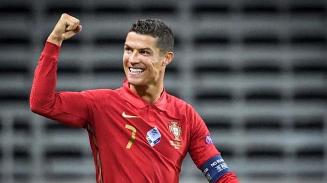 Vừa đến MU, Ronaldo đã gửi thông điệp cho các đồng đội mới