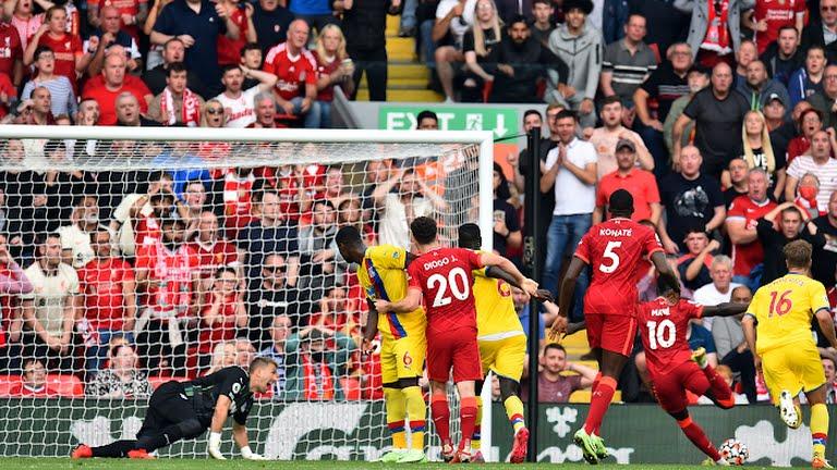 Liverpool 3–0Crystal Palace: Thắng đậm Palace, Liverpool xây chắc ngôi đầu bảng