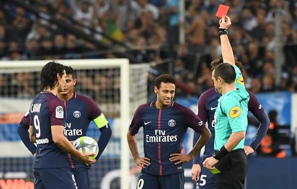 Neymar chỉ bị treo giò 1 trận vì thẻ đỏ 'thiết đầu công'