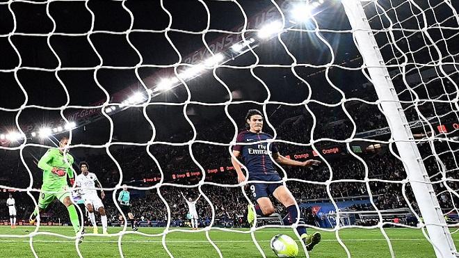 Cavani và Di Maria rực sáng, PSG thắng đậm mà không cần Neymar
