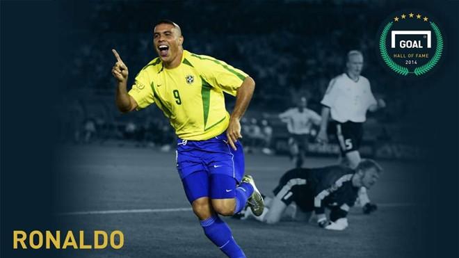 Ronaldo 'béo' chọn Messi, loại CR7 khỏi đội hình trong mơ
