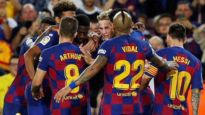 Barcelona 4-0 Sevilla: Ghi 4 bàn, nhận 2 thẻ đỏ, Barca giành 3 điểm với 9 người trên sân
