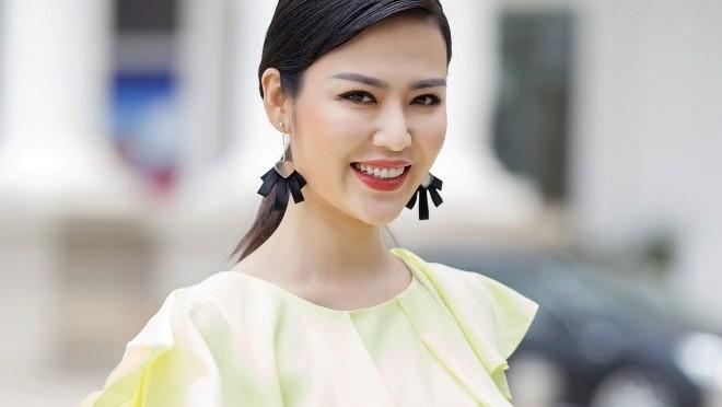 Hoa hậu Thu Thủy: Trung niên... khoe dáng nuột nà