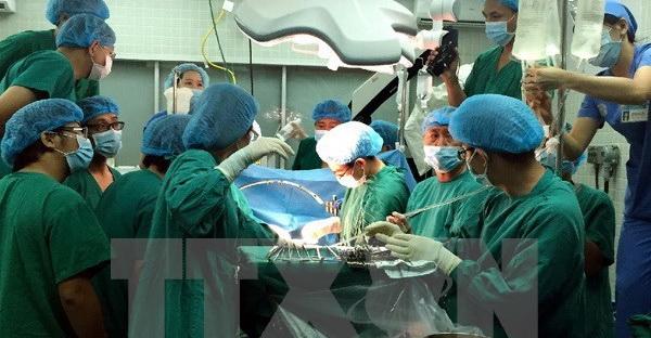 Đồng Nai: Phẫu thuật cứu sống bé gái 1 ngày tuổi bị thủng ruột