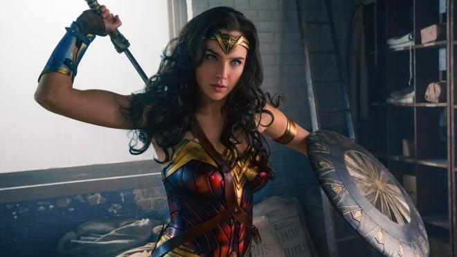 'Bom tấn' đang gây sốt 'Wonder Woman': Gal Gadot 'thoát xác' khỏi hình ảnh hoa hậu