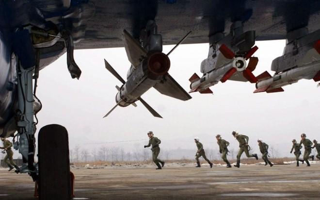 Không quân Triều Tiên tập trận đánh chìm tàu sân bay