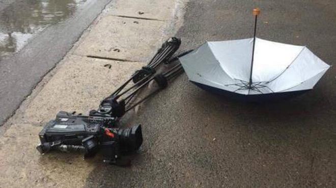 Cảnh sát đang điều tra vụ đâm ô tô vào máy quay của phóng viên Ban Thời sự - VTV