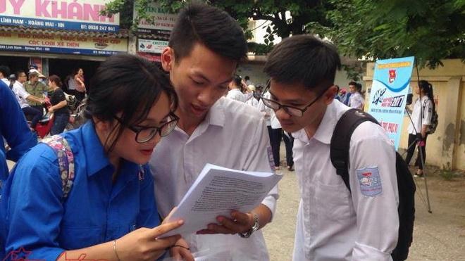 Kỳ thi THPT Quốc gia 2017: Thí sinh thở phào với đề thi Ngoại ngữ