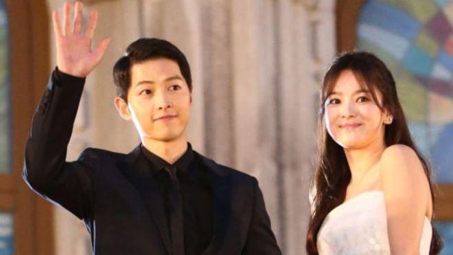 Song Joong Ki và Song Hye Kyo kết hôn: Thêm một cặp đôi 'phim giả, tình thật'