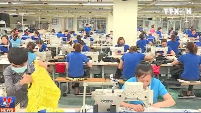 Tăng lương tối thiểu 5% hay 13%?