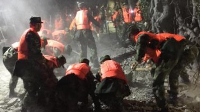 Động đất kinh hoàng ở Tứ Xuyên: Có thể 100 người đã thiệt mạng