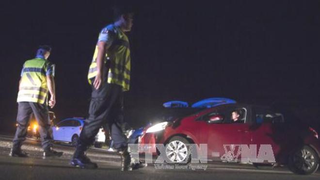 Lao xe vào nhà hàng ở Pháp, một bé gái thiệt mạng, 6 người bị thương
