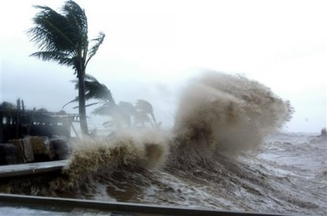 Thời tiết đặc biệt tháng 9 này, bão và áp thấp nhiệt đới 'đổ bộ' miền Trung thế nào?