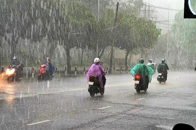 Bắc Bộ có mưa, Trung Bộ và Nam Bộ nắng ráo trong sáng khai giảng