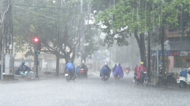 Dự báo thời tiết: Cảnh báo mưa dông, gió giật khu vực nội thành Hà Nội