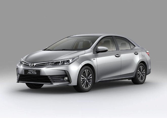 Toyota Altis mới thêm phiên bản, giá từ 702 triệu đồng
