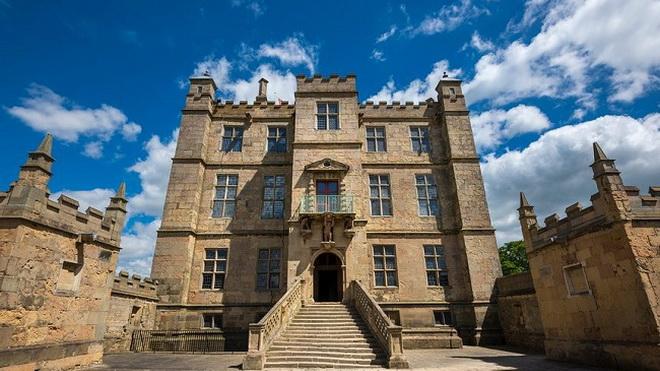 10 lâu đài 'ma ám' đáng sợ nhất nước Anh: Bóng ác quỷ trong tiểu thuyết kinh dị Dracula