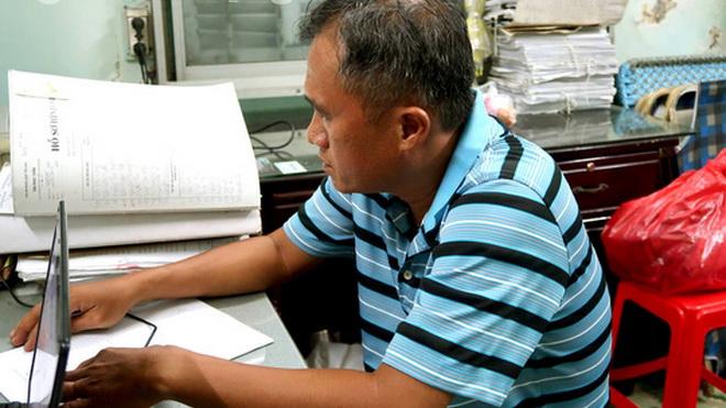 Bắt tạm giam hai cán bộ hải quan Hải quan cửa khẩu cảng Sài Gòn có hành vi buôn lậu
