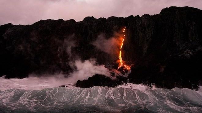 Máy bay đâm vào miệng núi lửa, toàn bộ hành khách, phi công thiệt mạng