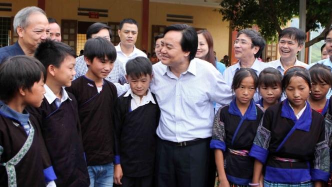 Bộ trưởng GD&ĐT Phùng Xuân Nhạ gửi thư chúc mừng thầy cô giáo ngày Nhà giáo Việt Nam 20/11